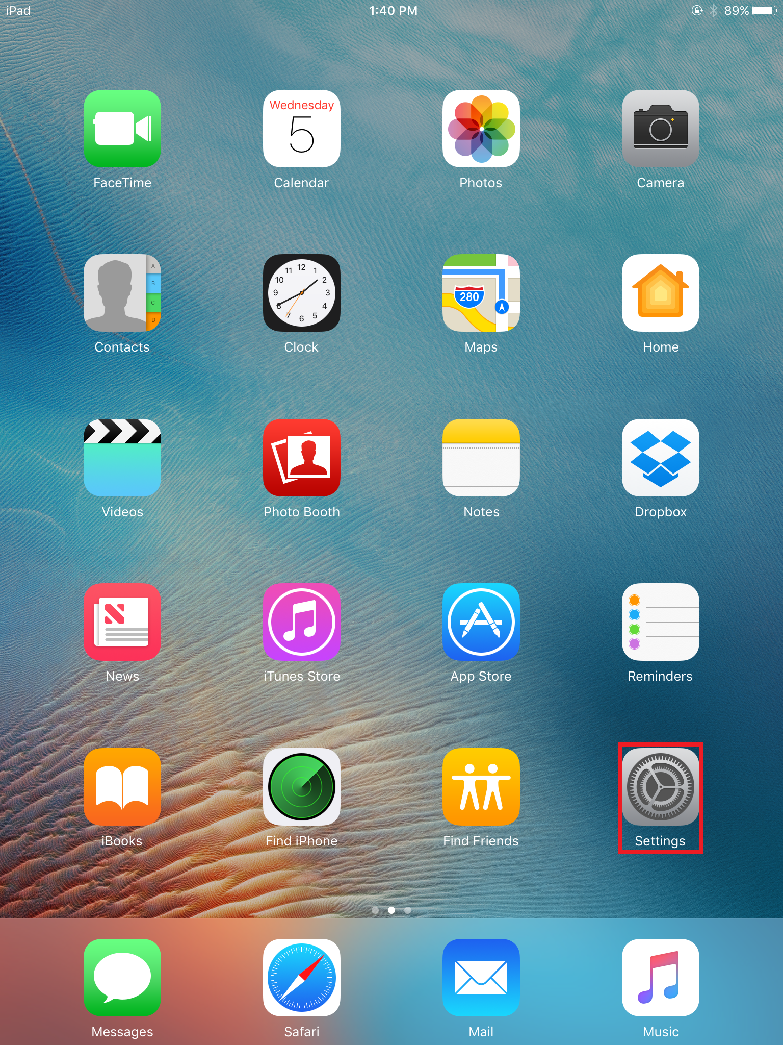 settings icon on the iPad 4 homescreen.